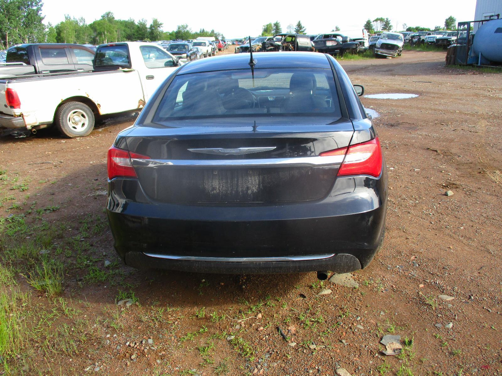 2014 Chrysler 200 Touring – #G00404 full