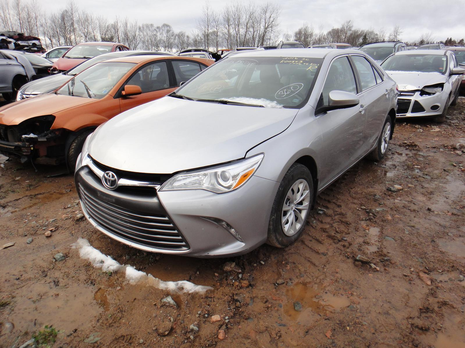 2016 Toyota Camry LE – #K00843